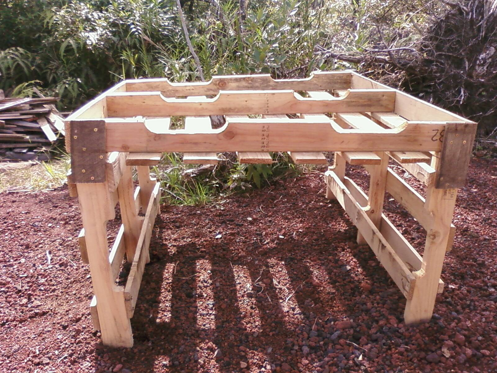 ... Raised Garden Bed On Legs ...